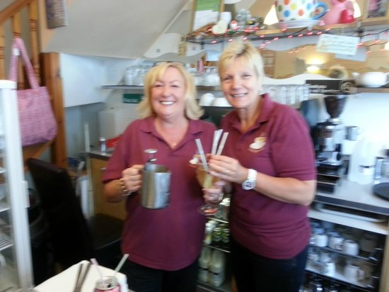 Indulgence Cafe: The girls with Wine and 4 straws