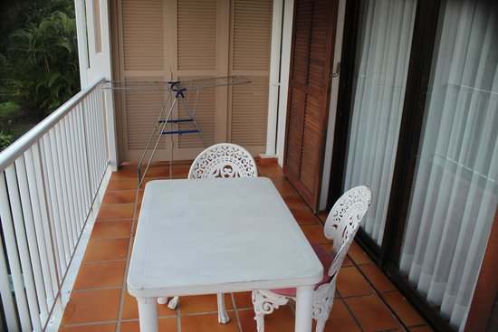 Les Cottages de Lonvilliers: Nice upstairs balcony with a great view.