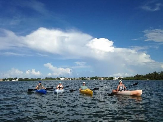 Flow Kayak and Paddle Tours: Fun time kayaking with friends!