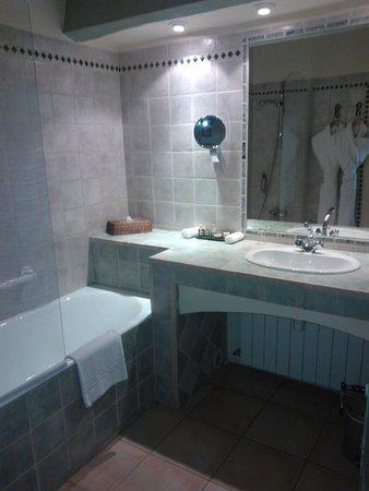 Abbaye de Sainte Croix : salle de bain