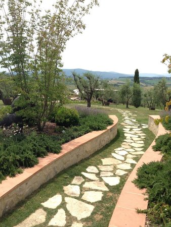 Locanda Le Piazze: Pathway to our room