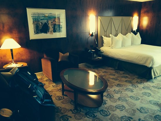 Park Hyatt Melbourne: large king room