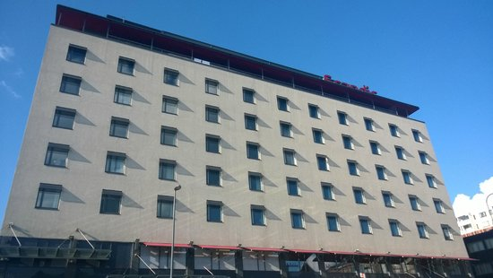 Scandic Tampere Station : View of the hotel from the street