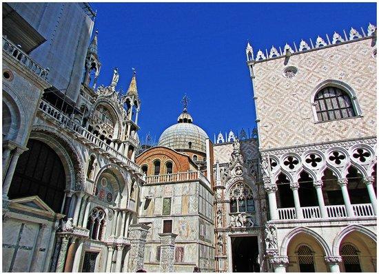 Basílica de San Marcos: Saint Mark's Basilica Corner