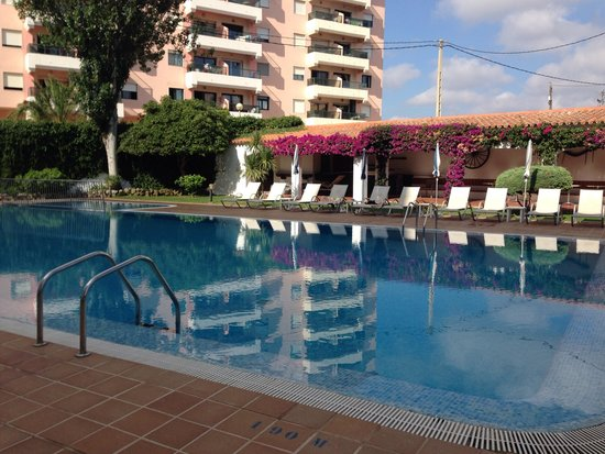 Hotel Agamenon: The lovely pool