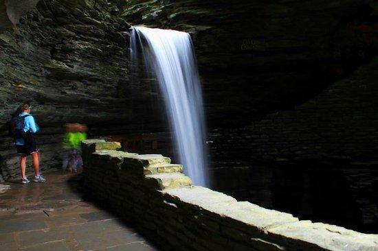 Watkins Glen State Park: Large Waterfall