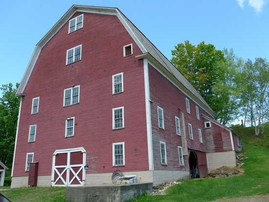 Farmhouse Inn at Robinson Farm: The giant red barn - you can't miss it.