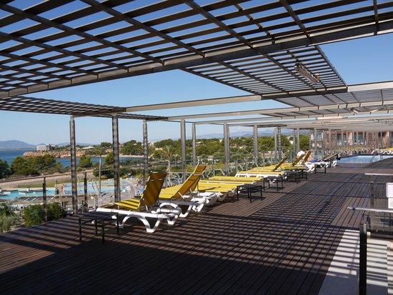 Ohtels Les Oliveres: La piscine en terrasse et la vue sur le cap