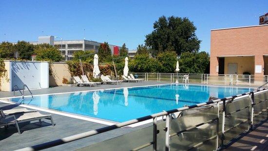 Novotel Bologna Fiera : la piscina