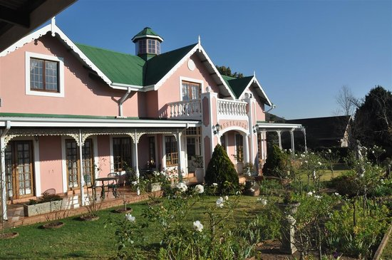 Westlodge Bed & Breakfast : Beautiful victorian style architecture