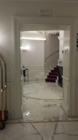 Gambrinus Hotel: reception