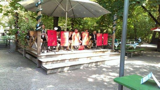 Englischer Garten: Oompa band