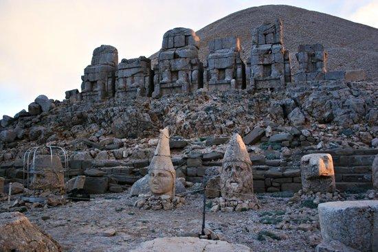 Mount Nemrut: Nemrut Dağı 8