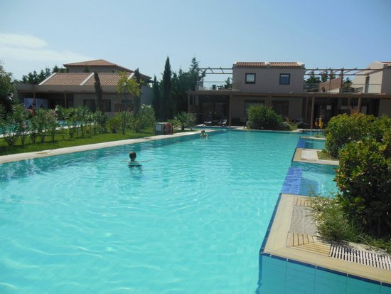 Apollonion Resort & Spa Hotel: our pool