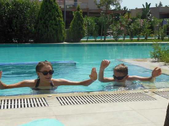 Apollonion Resort & Spa Hotel: our jacuzzi