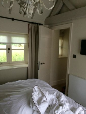 Dormy House Hotel: bedroom in rose cottage