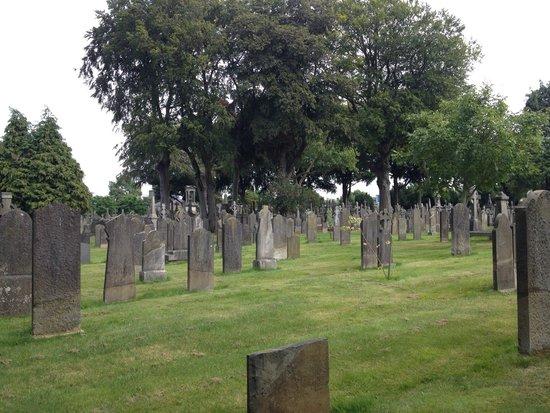 Glasnevin Cemetery Museum: Beautiful grounds