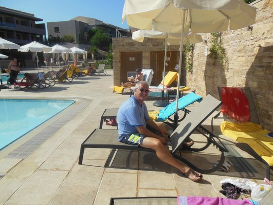 Apollonion Resort & Spa: pool area