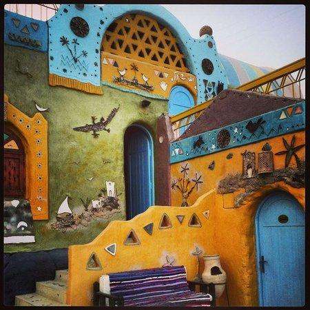 Anakato one and Nubian decoration