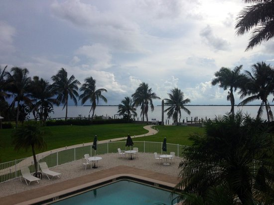 Tarpon Lodge & Restaurant : View from Room 1