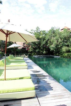 Siripanna Villa Resort and Spa Chiang Mai: pool area