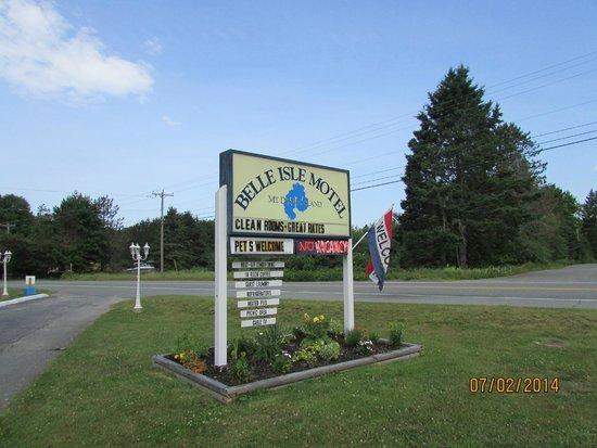 Belle Isle Motel Sign