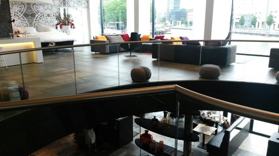 Mainport Hotel: Lobby et resto