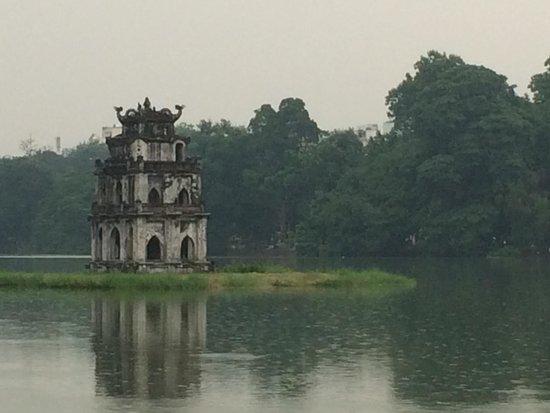 Lake of the Restored Sword (Hoan Kiem Lake) : The leaning pagoda