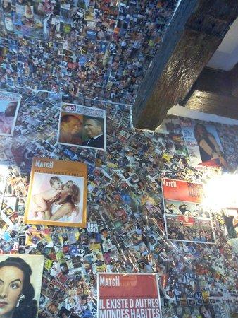Creperie Oroyona: Des photos des murs aux plafonds !