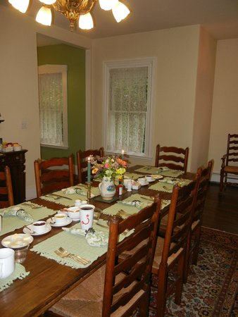 Ardmore Inn: Wonderful breakfast in the morning!