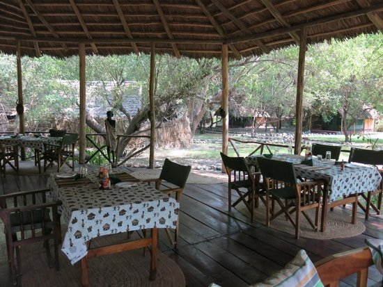 Natron River Camp: Restauration