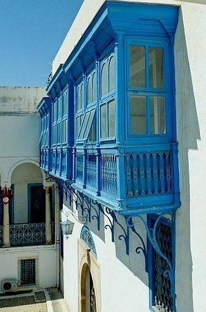 Musée National du Bardo : Museo Bardo: Tunisi: Tunisia: particolare del cortile