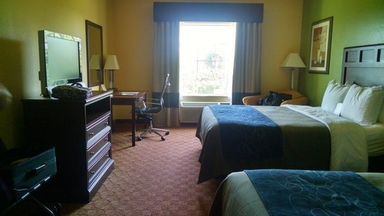 Comfort Inn & Suites Galveston Bay Refineries : Room 201.... awesome!