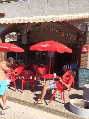 Los Arcos sport bar
