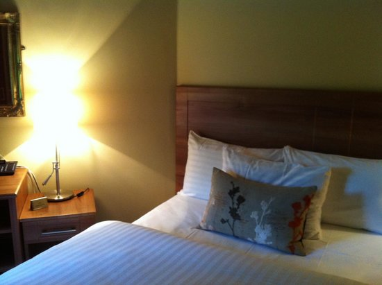 Becketts Hotel: Bed