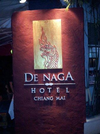 De Naga Hotel: Cartel entrada