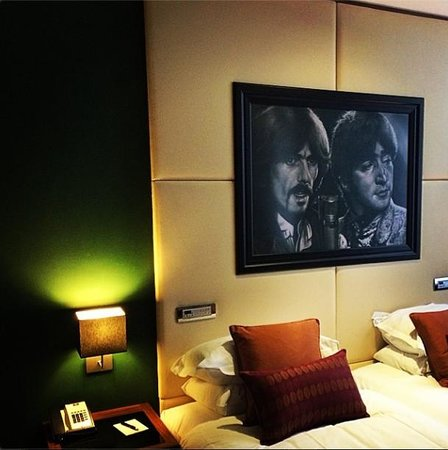 Hard Days Night Hotel: Hotel Room - Beatles Hotel Liverpool