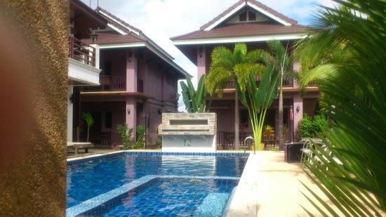 Baan Soontree Resort: pool