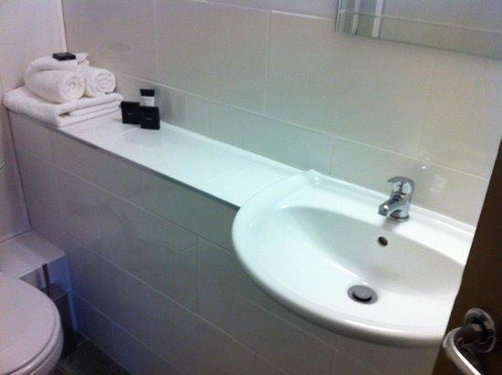 Becketts Hotel: Hand basin