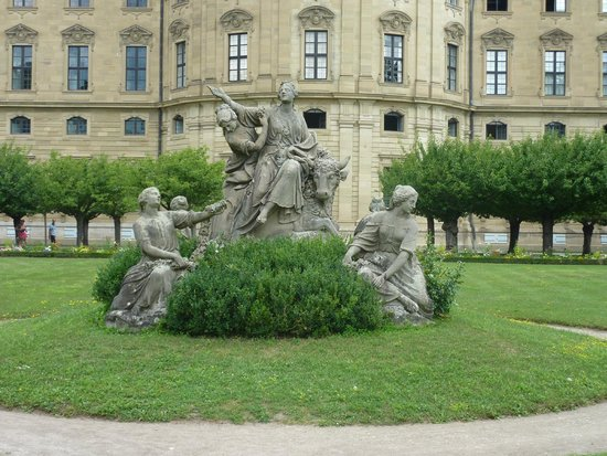 Die Residenz: The Garden