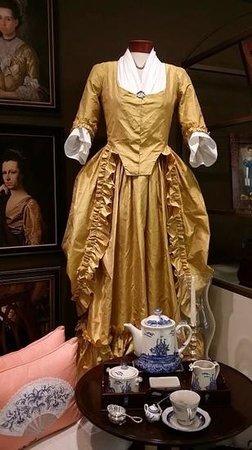 Colonial Williamsburg : era dress