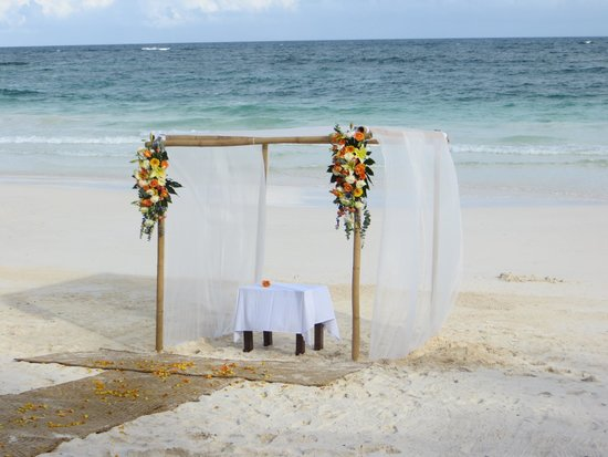 Las Ranitas Eco-boutique Hotel : Our wedding on the beach
