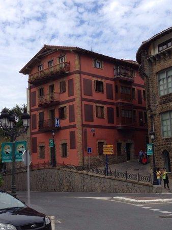 Hotel Itxas Gain Getaria: Vista del hotel