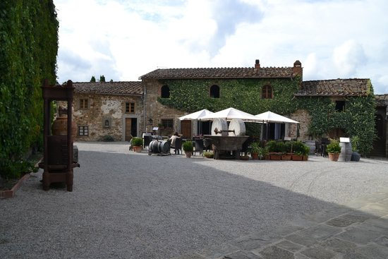 Borgo Castelvecchi Residenza D'Epoca : Terasse du restaurant
