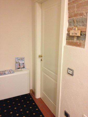 Relais Hotel Centrale Residenza D'Epoca : L'INGRESSO DELLA SUITE