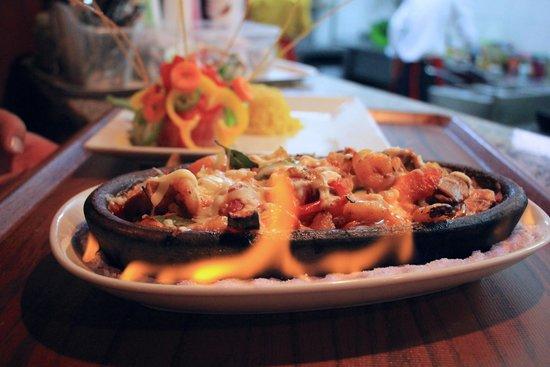 Yakamoz Hotel: Sizzling dish