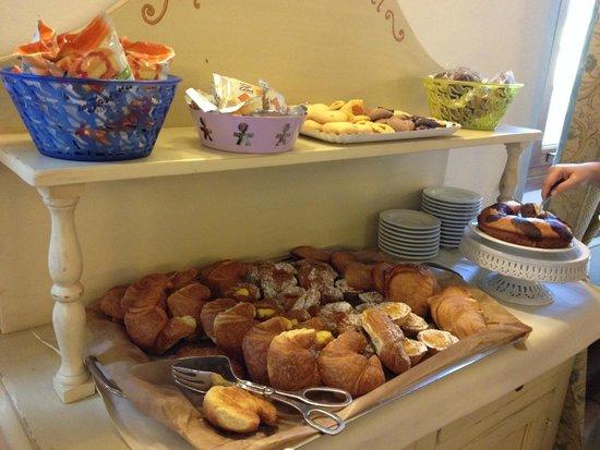 Relais Hotel Centrale Residenza D'Epoca : Un altro angolo dell'eccellente colazione