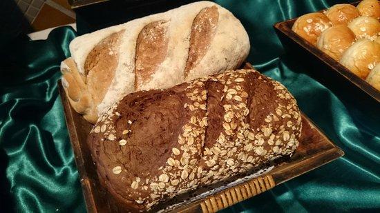 Peace Laguna Resort: bread
