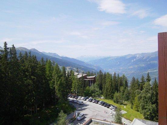 Pierre & Vacances Residence Le Belmont: vue du balcon au 8ème étage