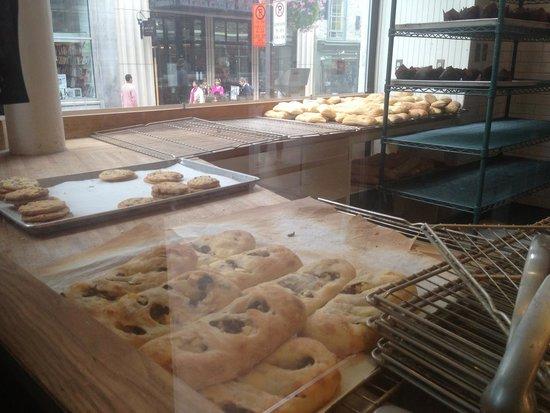 Paillard : Breads view ...